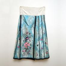 清 粉藍絹地花卉繡花褶裙 Qing, Woman's Embroidered Floral Silk Skirt, Qun