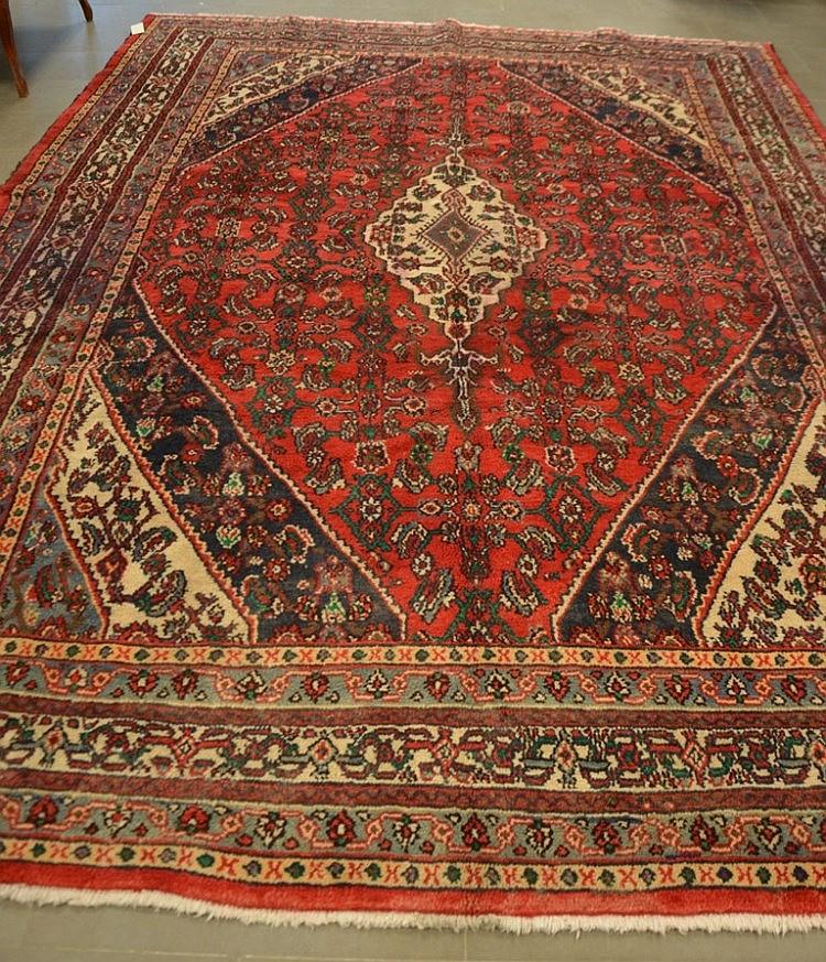 tapis en laine iranien mahal sur fond rouge. Black Bedroom Furniture Sets. Home Design Ideas