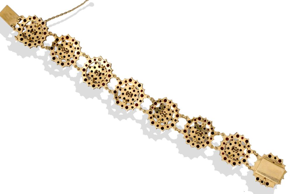 Lot 8675: Art Deco, 18kt Gold, 8CT Garnet Link Bracelet, 41 Grams
