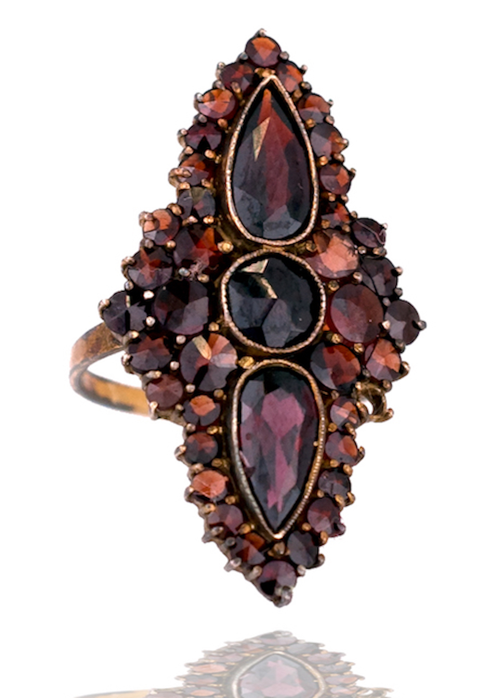 Lot 8678: Antique, Saks Garnet 4.25 CT.Marquise Shaped Ring, 14kt.