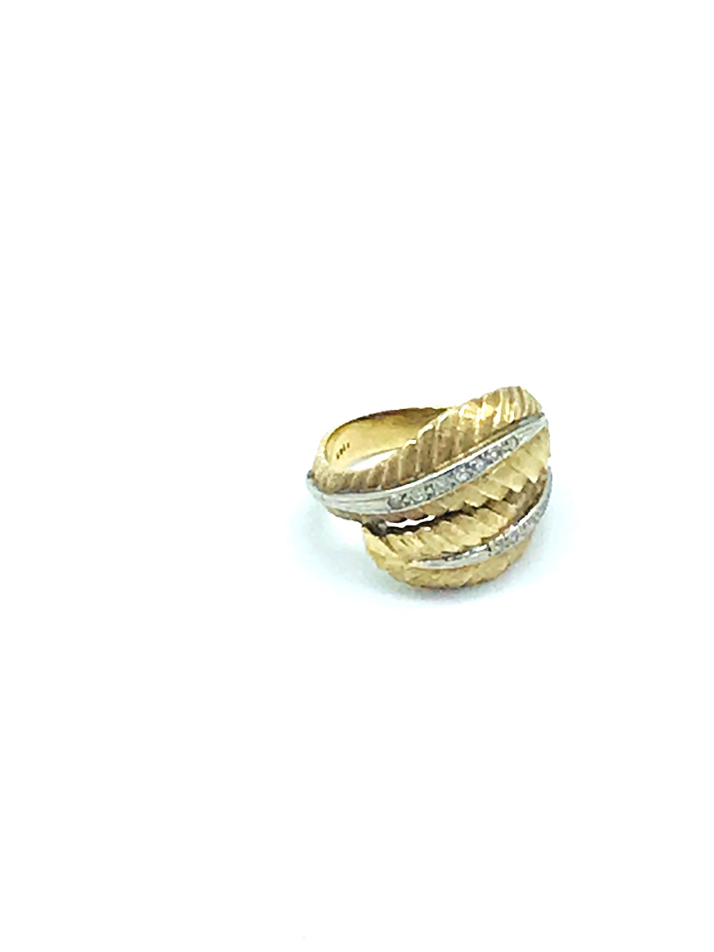 Lot 8695: Retro, Leaf Diamond Gold-Platinum Ring