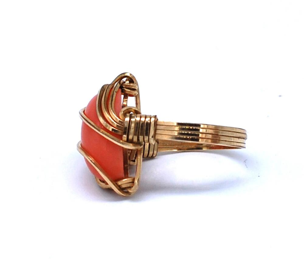 Lot 8697: Art Deco Gold Woven Wrapped Coral Ring, Size 5-3/4