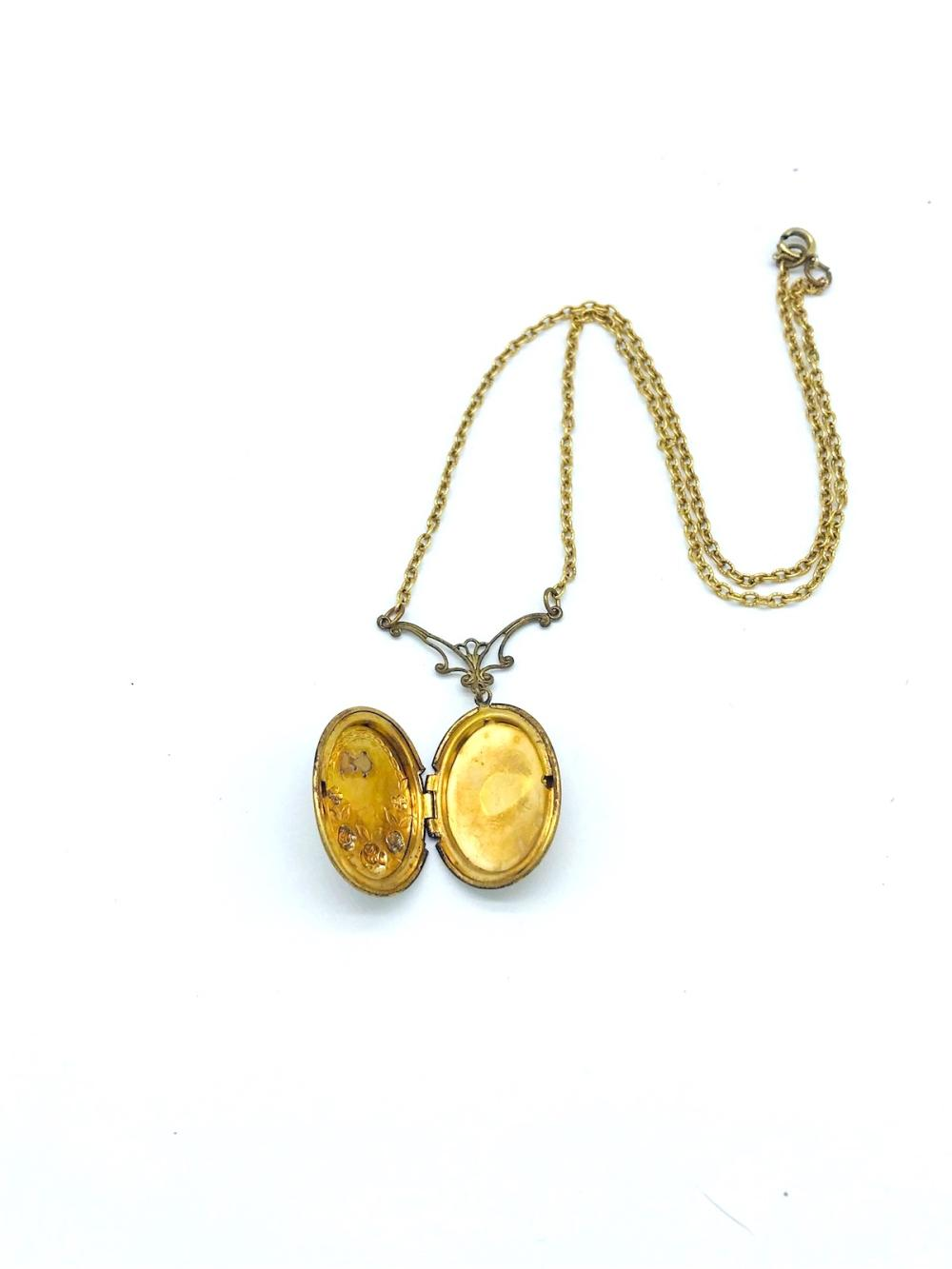 Lot 8724: Victorian, Rose Locket 20 Inch Lavalier, Art Nouveau <