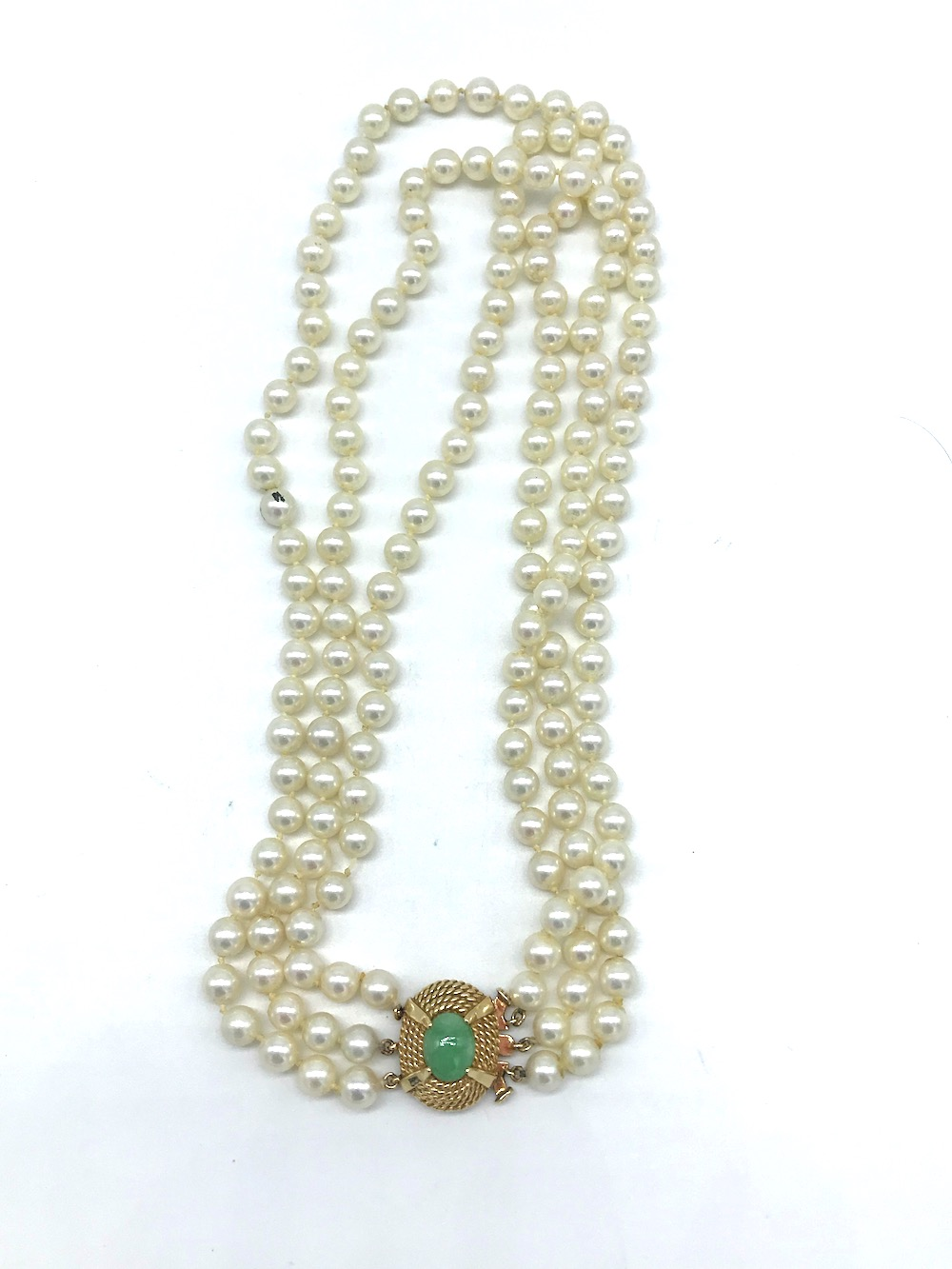 Lot 8758: Vintage, Jade Clasp on 3-Strand 6 mm Pearl, Necklace