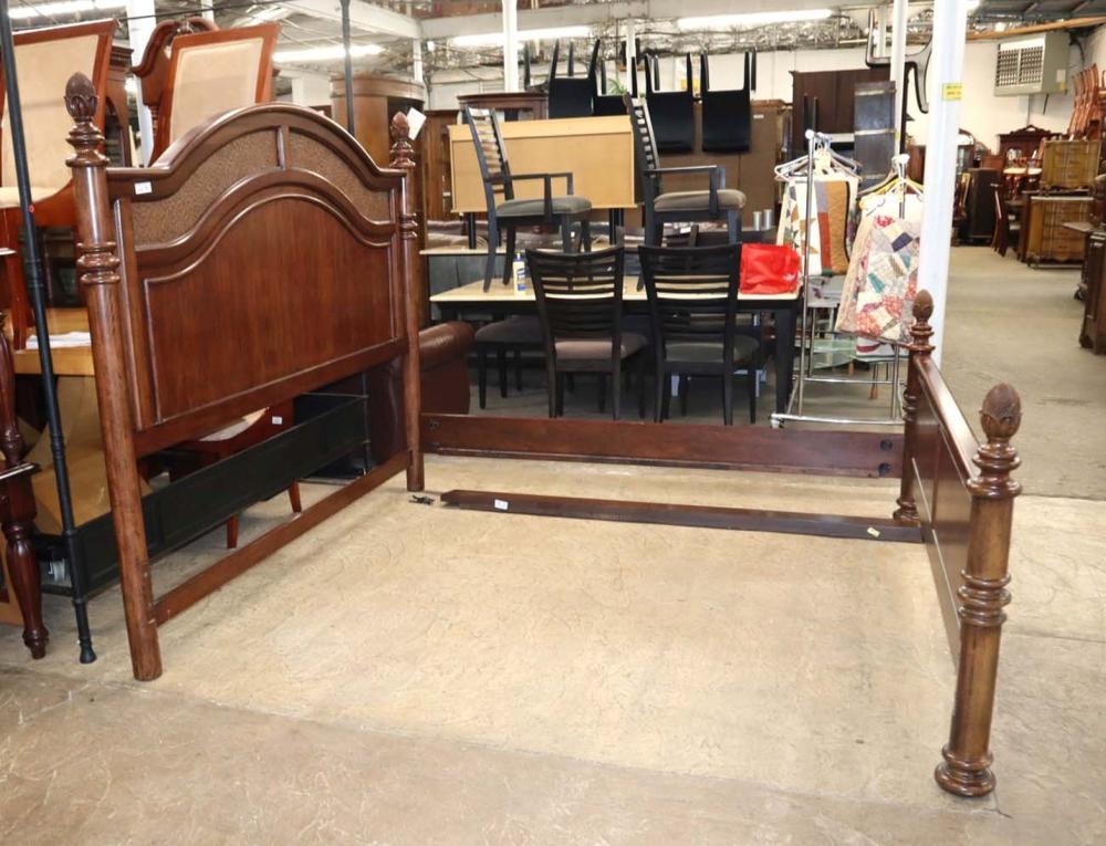 Thomasville mahogany king size bed