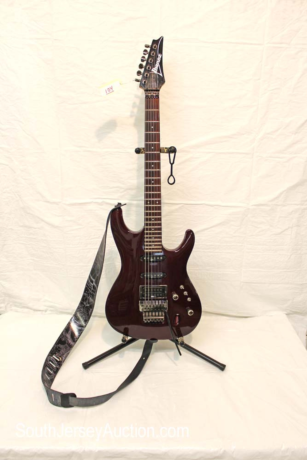 1988 Ibanez RG 550 Floyd Rose trim guitar, made in Japan, assembled in US, thin wizard special neck, s/n 880550 with strap, all original, very good condition