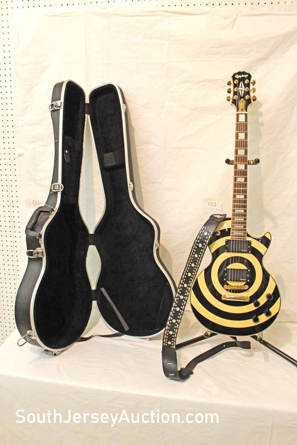 2004 Epiphone Zakk Wylde Les Paul Custom, guitar with grover tuners, EMGHZ fully active pickups, Zack Wyld Bulls Eye paint, gold hardware, s/n 10041515591, with strap, hard Play One case excellent shape