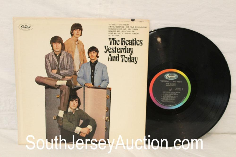 Vintage Beatles Yesterday & Today in original sleeve, in good condition