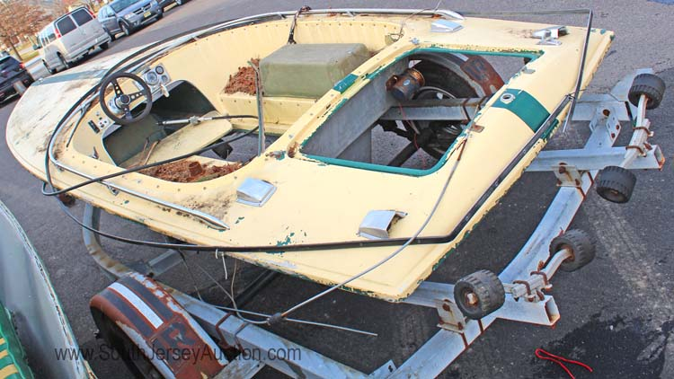 1971 16 Ft Fiberglass Donzi Boat Believed To Be Sweet 16