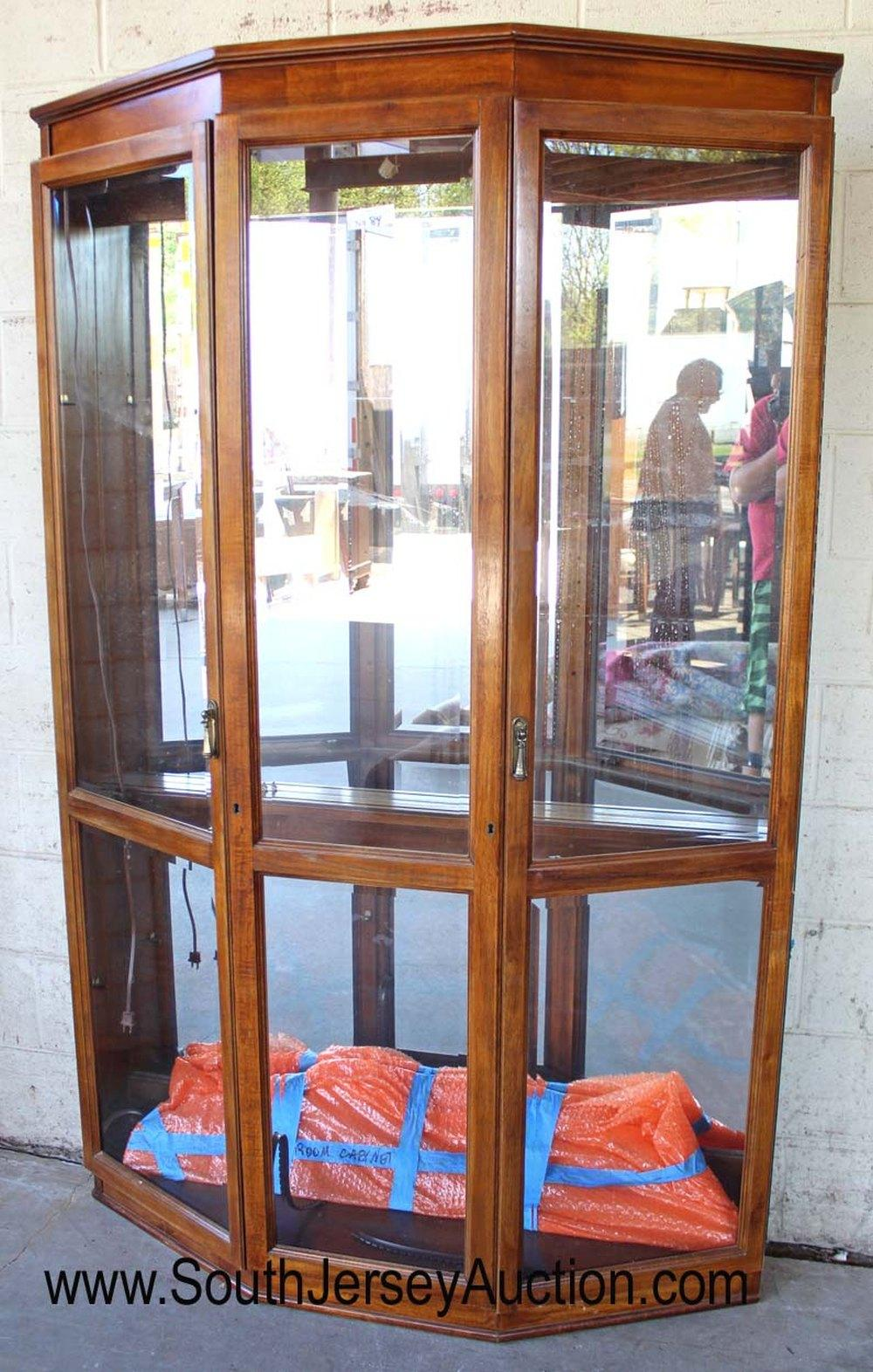 Contemporary Brown Mahogany Mirrored Back Display Cabinet with Glass Shelves