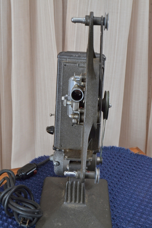 Vintage Keystone 8mm Model CC8 Projector