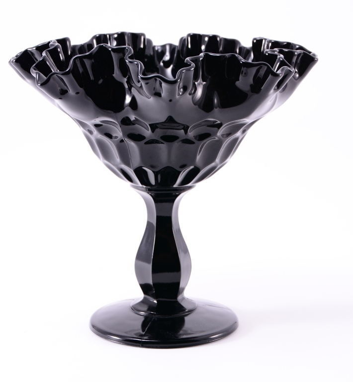 Black Amethyst Ruffled Edge Thumbprint Pedestal