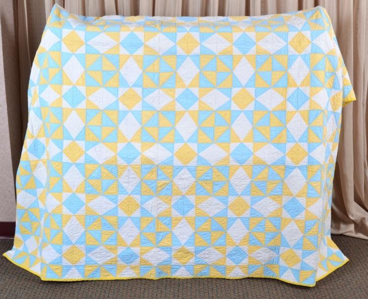 Triangle Hand & Machine Quilt