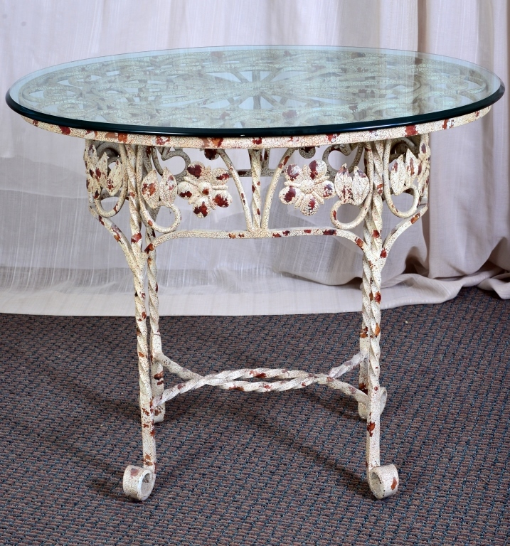 Scrolling Oval Metal Side Table