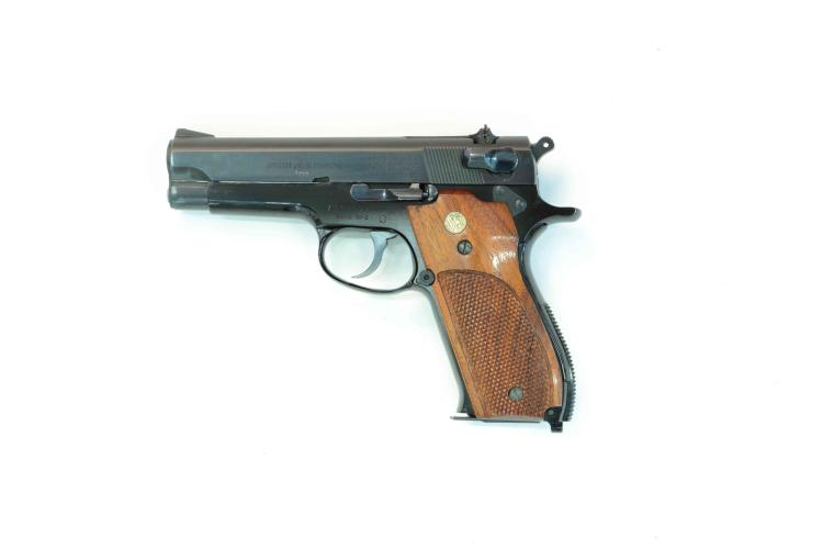 Smith & Wesson, mod. 39-2, 9 mm Luger, #A154577, §B