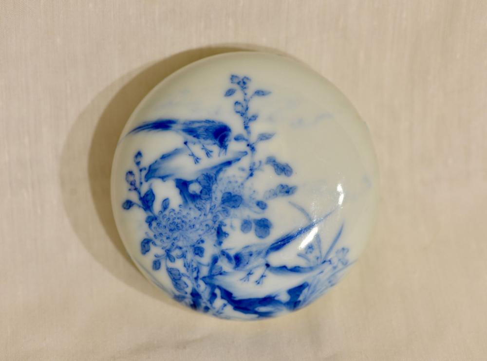 Chinese blue White Porcelain Seal Paste Box - Bird and Floral