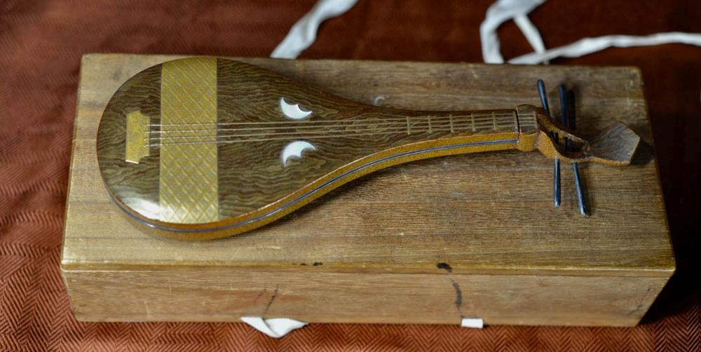 Japanese Lacquer Box - Musical Instrument
