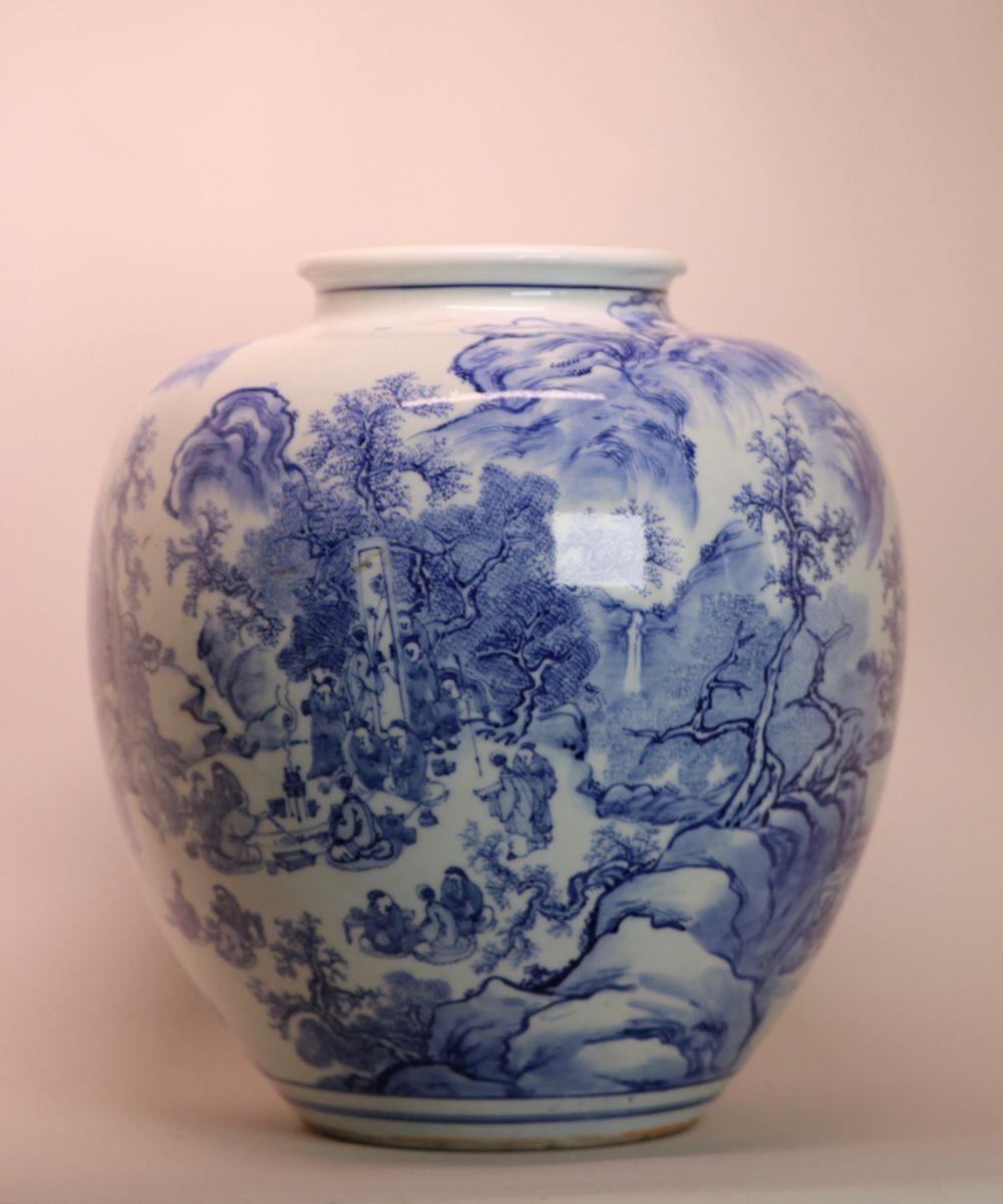 Stunning Japanese Blue White Porcelain Vase - Figural Scene