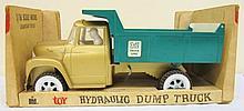 ERTL - Dump Truck