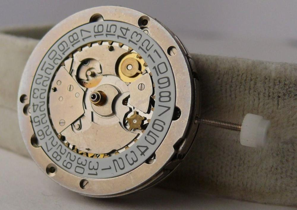 Vintage Breitling Chronograph Valjoux 7750 Movement. Although recent service history is unknown