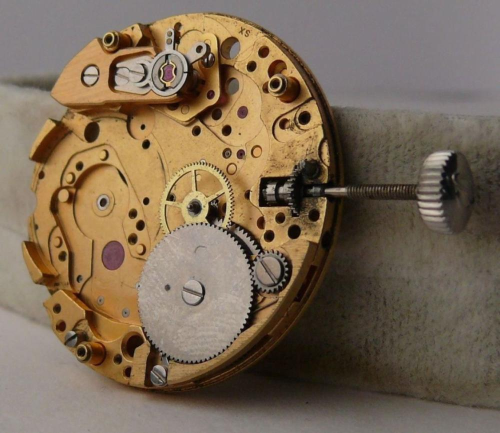 Incomplete Vintage Breitling calibre 12 Movement for Parts projects or restorations.
