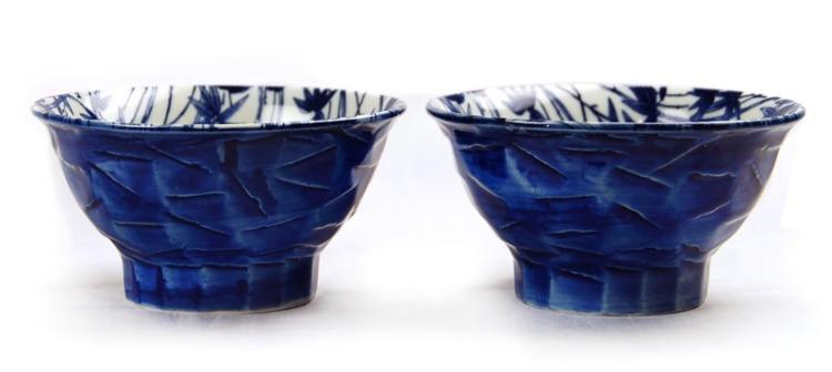 PAIR OF BLUE AND WHITE BAMBOO BOWLS