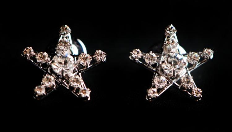 PAIR OF STAR CRYSTAL EARRINGS