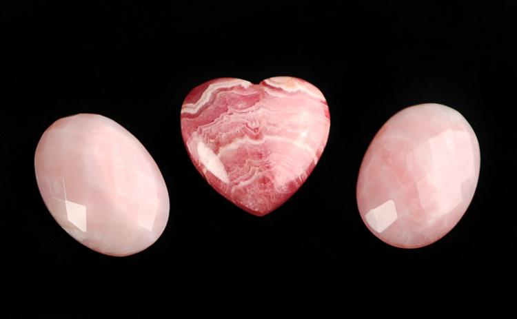 TRIO OF LOOSE PINK AGATE PIECES