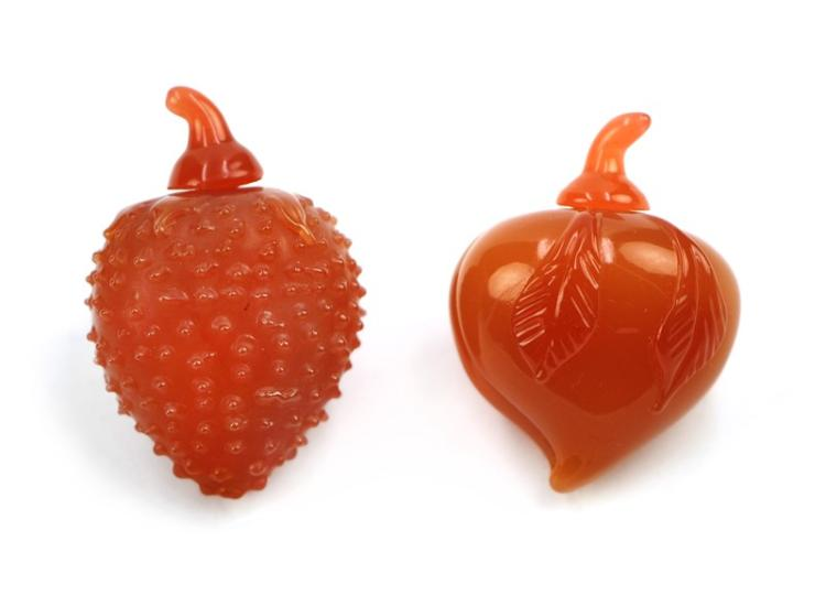 AGATE FRUIT SNUFF BOTTLE PAIR