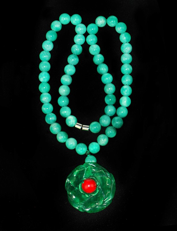 JADE ROSE NECKLACE