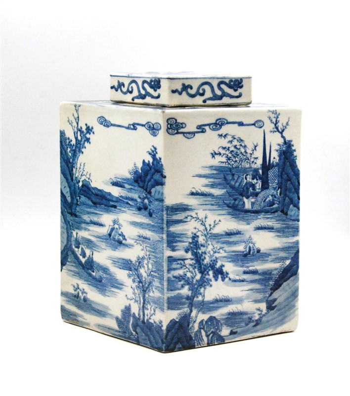 QING HUA LIDDED JAR