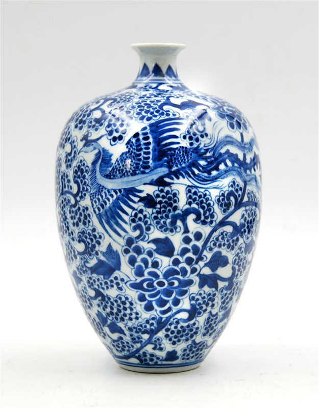 BLUE AND WHITE PHOENIX VASE