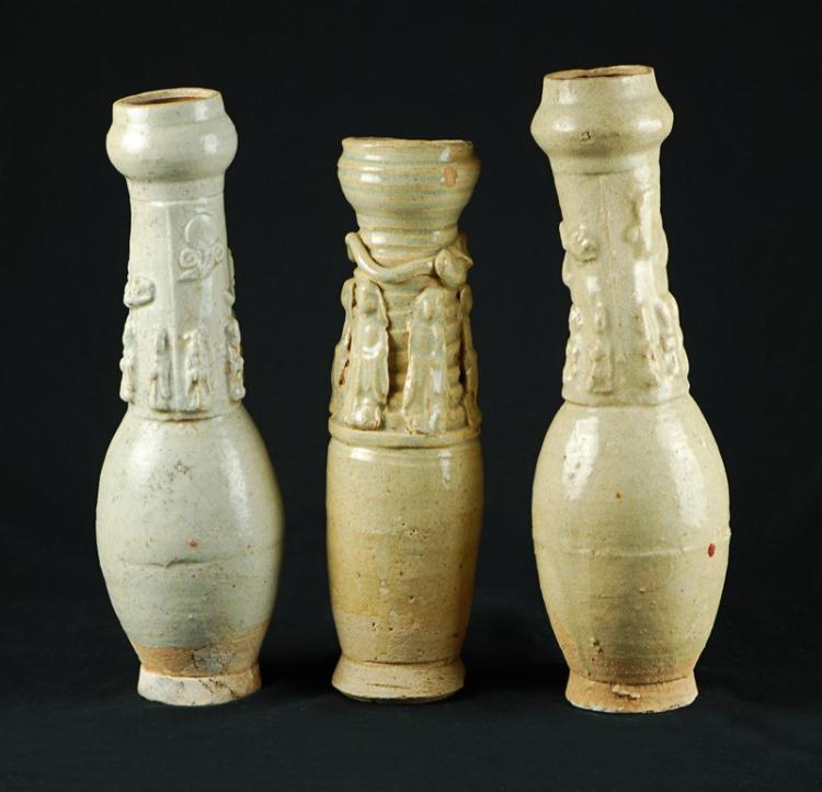 GROUP OF THREE FUNERARY URNS