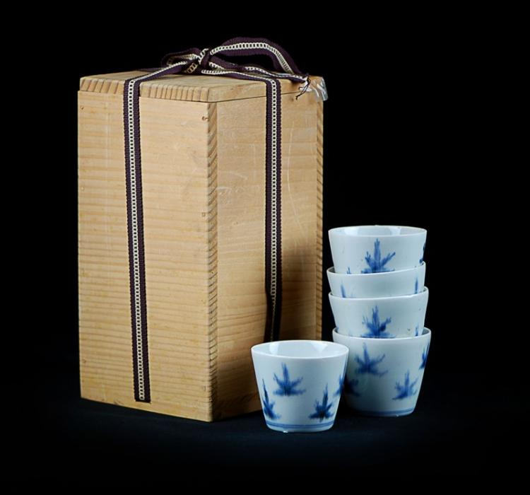BLUE AND WHITE MAPLE LEAF SOBA CUPS