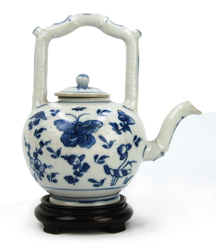 SMALL BUTTERFLY PORCELAIN TEAPOT