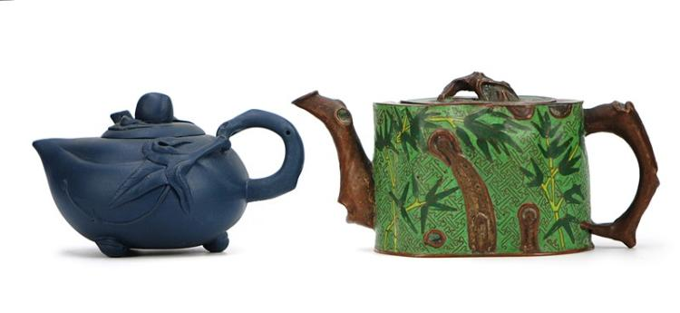 PAIR OF TEAPOTS
