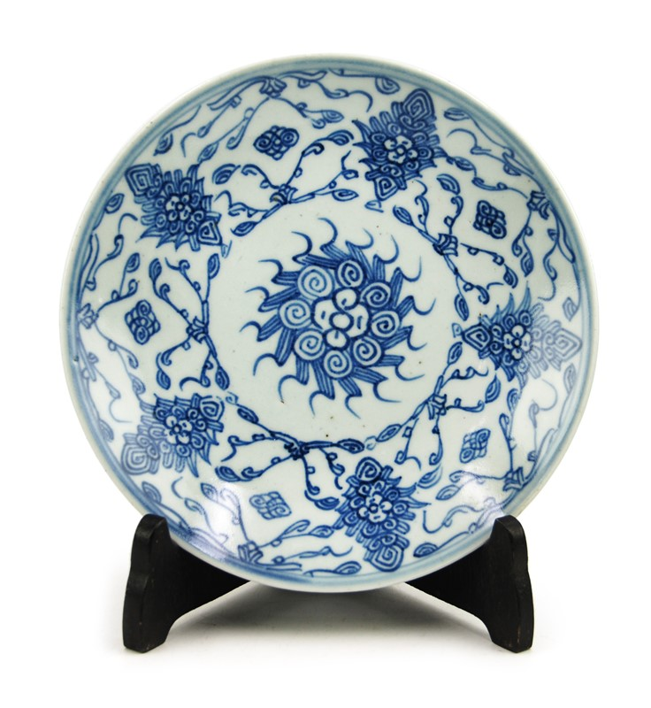 QING DYSNASTY BLUE AND WHITE PLATE