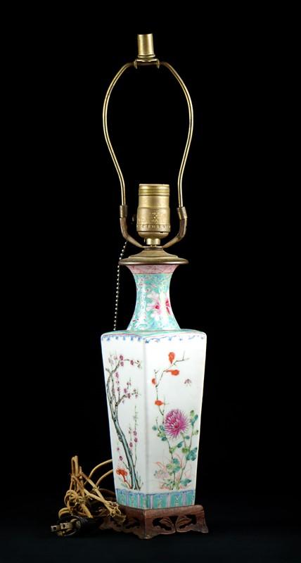 FAMILLE ROSE PORCELAIN LAMP BASE
