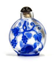 BLUE-OVERLAY GLASS SNUFF BOTTLE