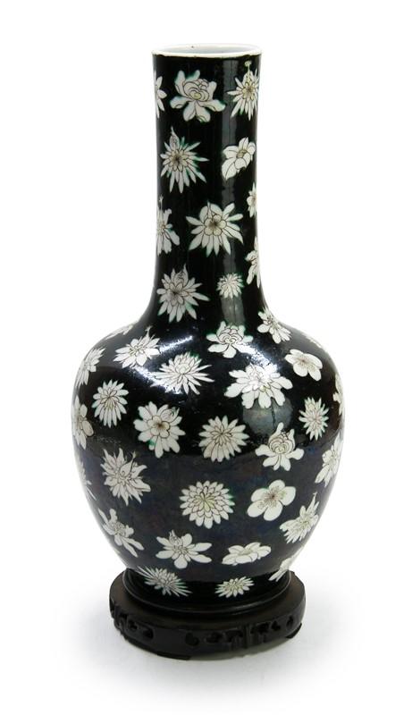 mille fleur noir vase qing dynasty. Black Bedroom Furniture Sets. Home Design Ideas