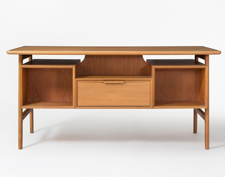 Schreibtisch mit armlehnstuhl arne hovmand olsen d nemark for Danish design stuhl