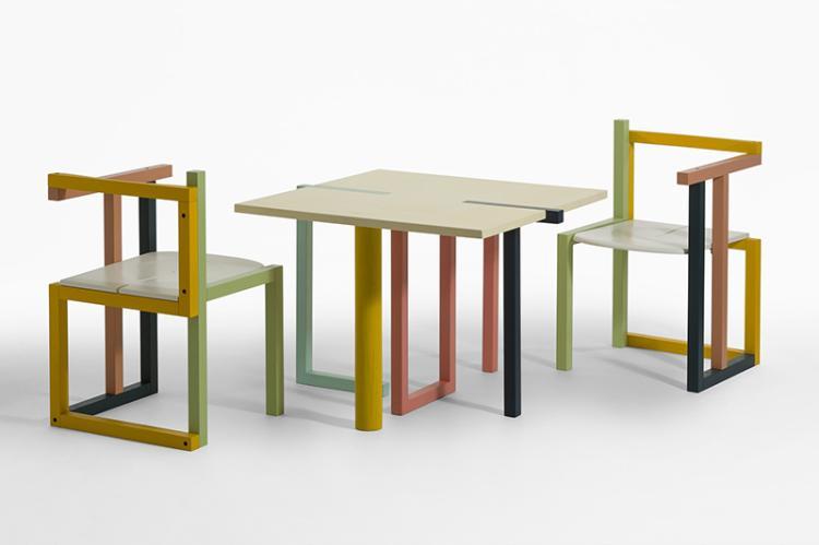 tisch tisch und zwei st hle stuhl stuhl von susi geb 1. Black Bedroom Furniture Sets. Home Design Ideas