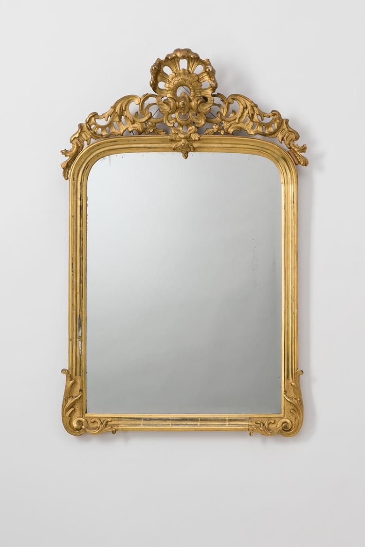 sch ner rokoko spiegel wohl neuenburg oder bern um 1750 h. Black Bedroom Furniture Sets. Home Design Ideas