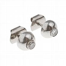 EARRINGS WITH BRILLIANT