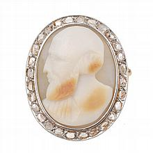 AGATE CAMEO BROOCH, 20TH CENTURY