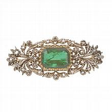 BROOCH WITH CHRYSOPRASE, 19TH CENTURY