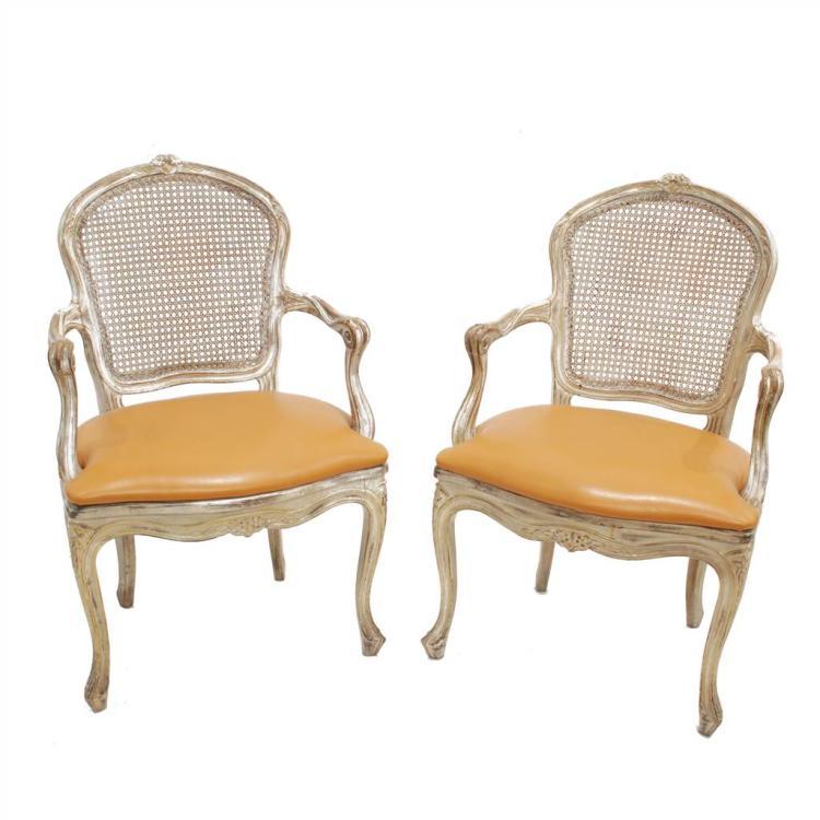 Pareja de sillas estilo luis xv for Sillas de estilo