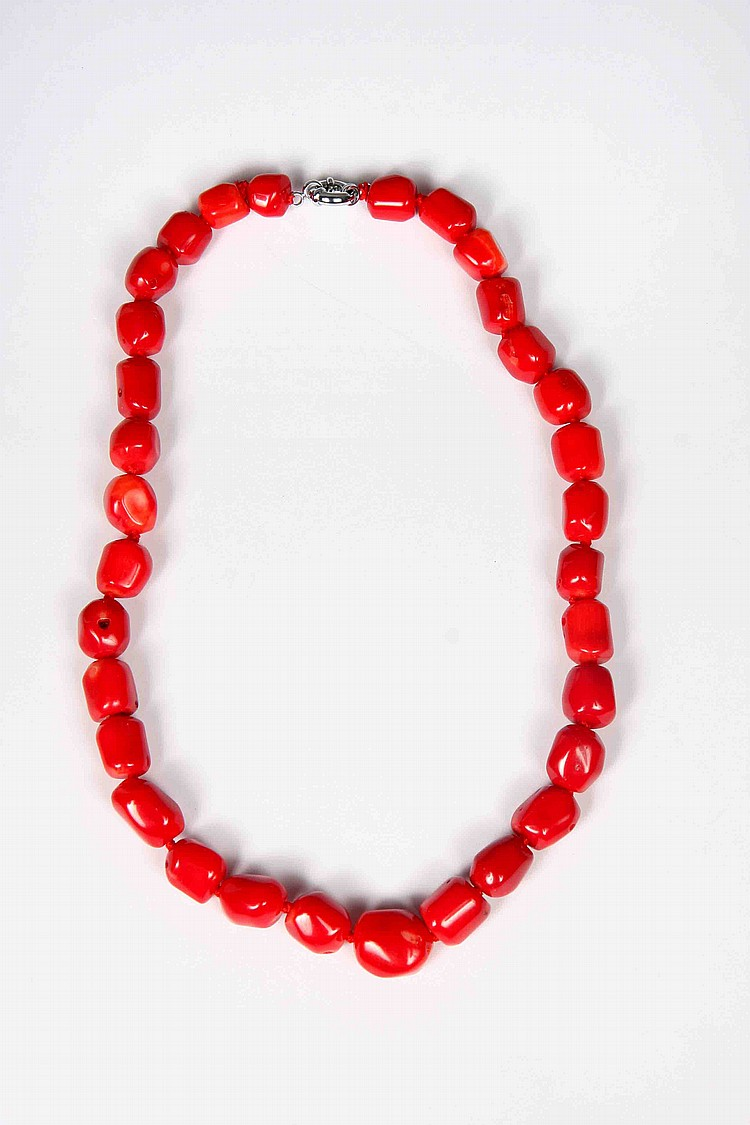 A PHILIPPINE CORAL NECKLACE