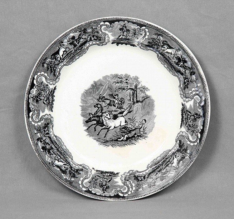 A CERAMIC DISH, 19TH CENTURY