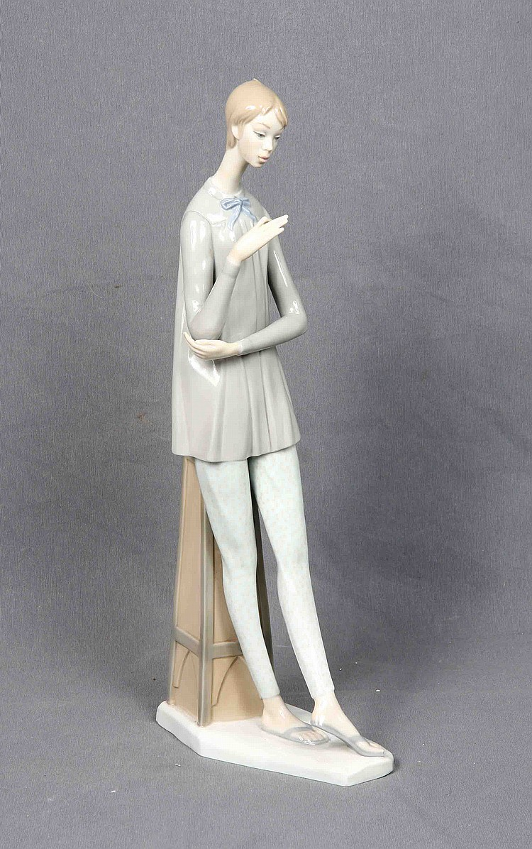 NAO SPANISH POLYCHROME PORCELAIN FIGURE